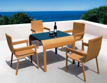 Outdoor Dining Sets Manufacturers & Suppliers in Navi Mumbai